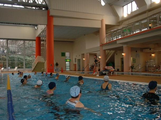 水中フィットネス 教室風景
